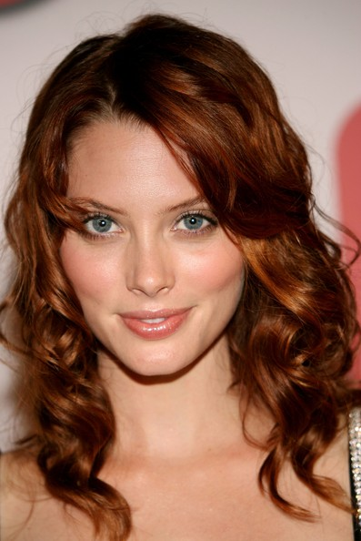 The 37-year old daughter of father (?) and mother(?), 169 cm tall April Bowlby in 2018 photo
