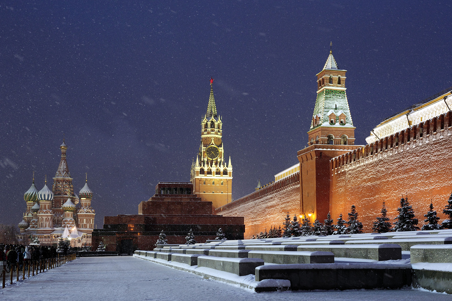 'Russia's Mark Zuckerberg' takes on the Kremlin, comes to ...