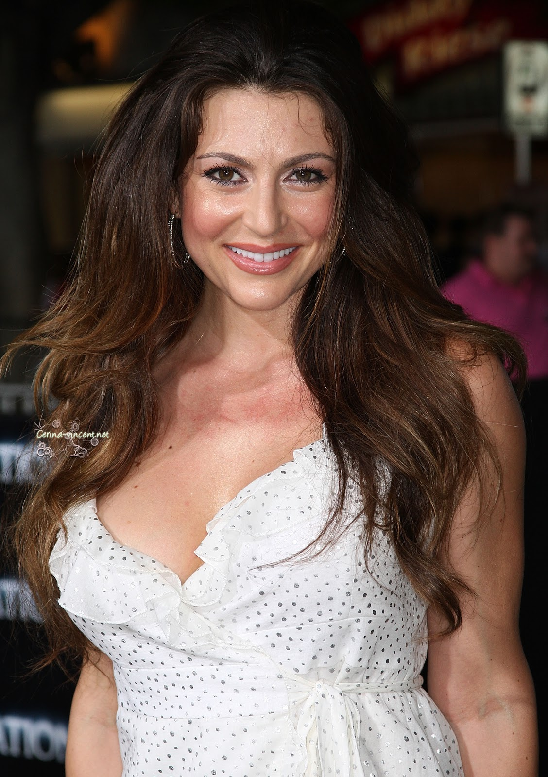 The 39-year old daughter of father (?) and mother(?) Cerina Vincent in 2018 photo. Cerina Vincent earned a  million dollar salary - leaving the net worth at 4 million in 2018