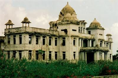 Jaffna Library yalpanam library