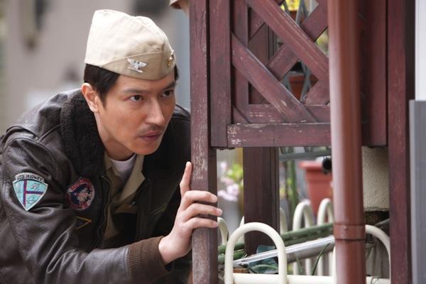 https://images.duckduckgo.com/iu/?u=http%3A%2F%2Fasianwiki.com%2Fimages%2F4%2F4f%2FThe_Wonderful_World_of_Captain_Kuhio-0002.jpg&f=1