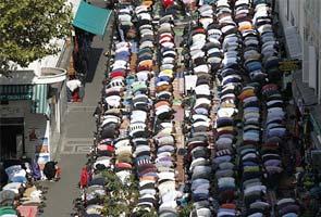 Muslim Street Prayer Ban Takes Effect in Paris - Geller Report