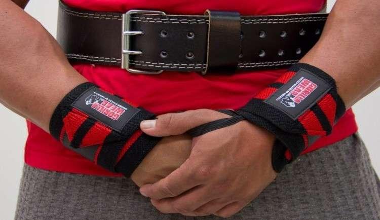 Wrist Wraps: The Benefits and Drawbacks • Bodybuilding ...