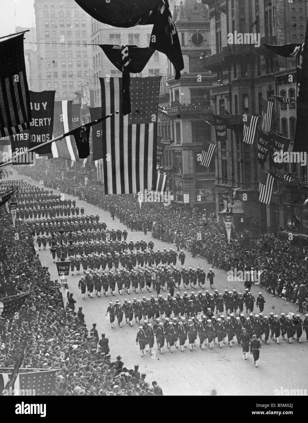 9US 1918 0 0 A7 WW1 Parade for 4th War loan 1918 World War ...