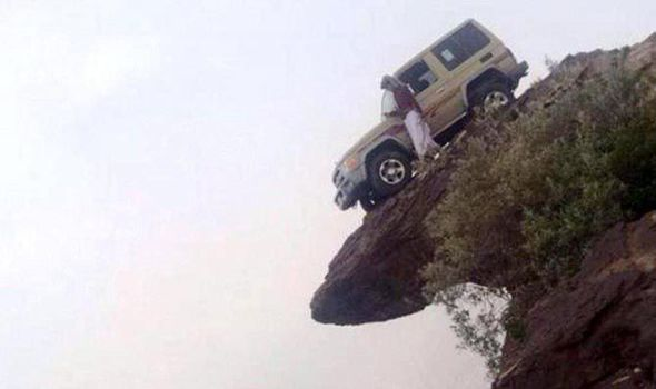 Amazing moment Saudi driver parks car just INCHES from ...