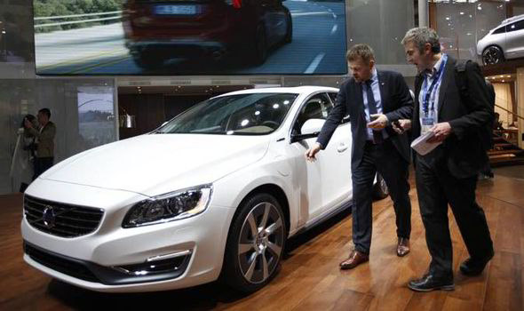 Volvo will launch online car sales, skip some major auto shows