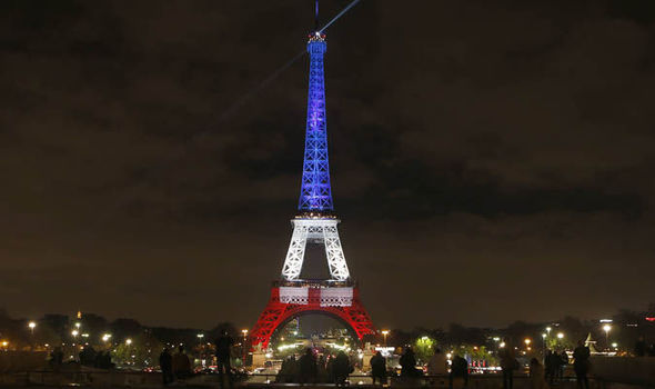Eiffel Tower displays Tricoleur in display of defiance | World | News ...