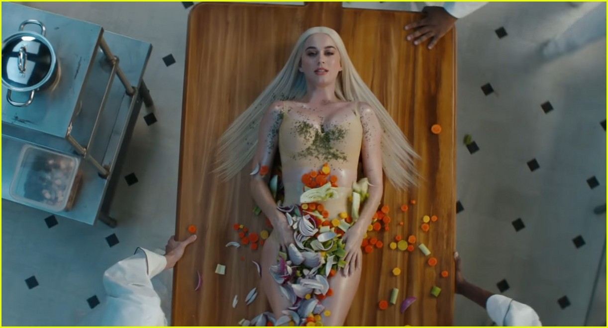 Katy Perry Turns Into a Meal in 'Bon Appetit' Video ...