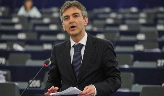 Busuttil says he had no position on tobacco as MEP - MaltaToday.com.mt