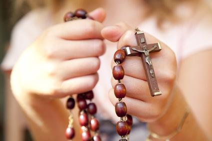 Les gestes de la prière chrétienne - Cybercuré