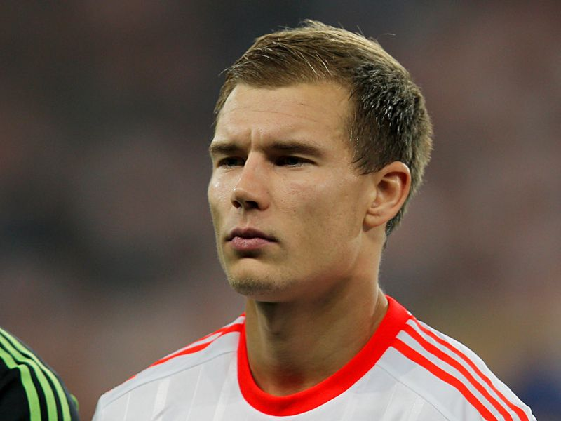 The 28-year old son of father (?) and mother(?), 190 cm tall Holger Badstuber in 2017 photo