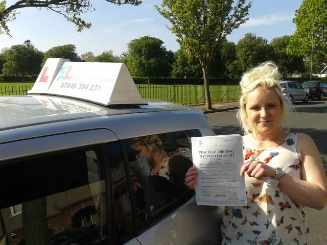 Get Driving Lessons in Bromley with EL's Driving School
