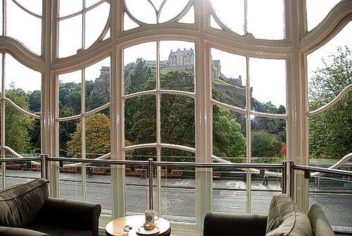 Starbucks, Princes St Edinburgh - Stunning views of ...