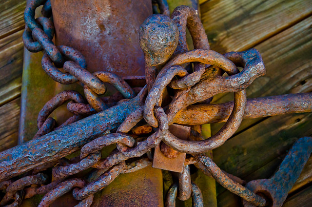 A rusty pile of Chains, | Flickr - Photo Sharing!