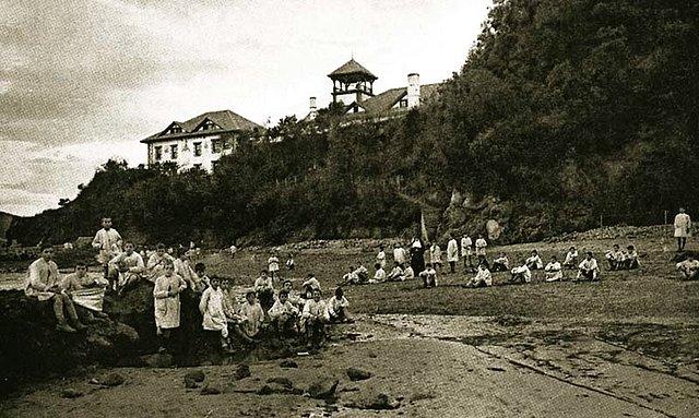 Niños en las colonias escolares de Sukarrieta; inicios del s. XX