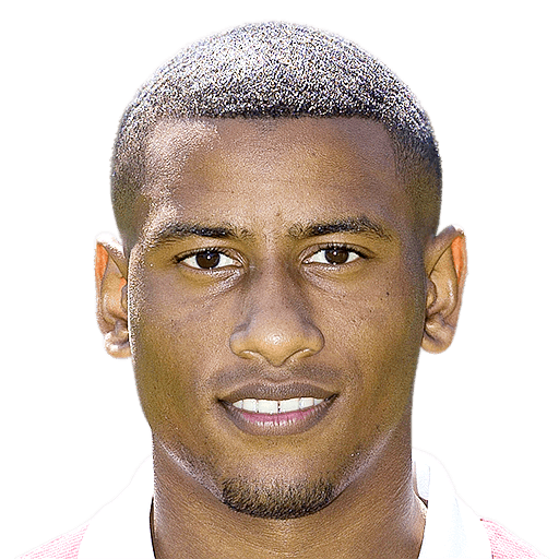 The 26-year old son of father (?) and mother(?), 178 cm tall Luciano Narsingh in 2017 photo