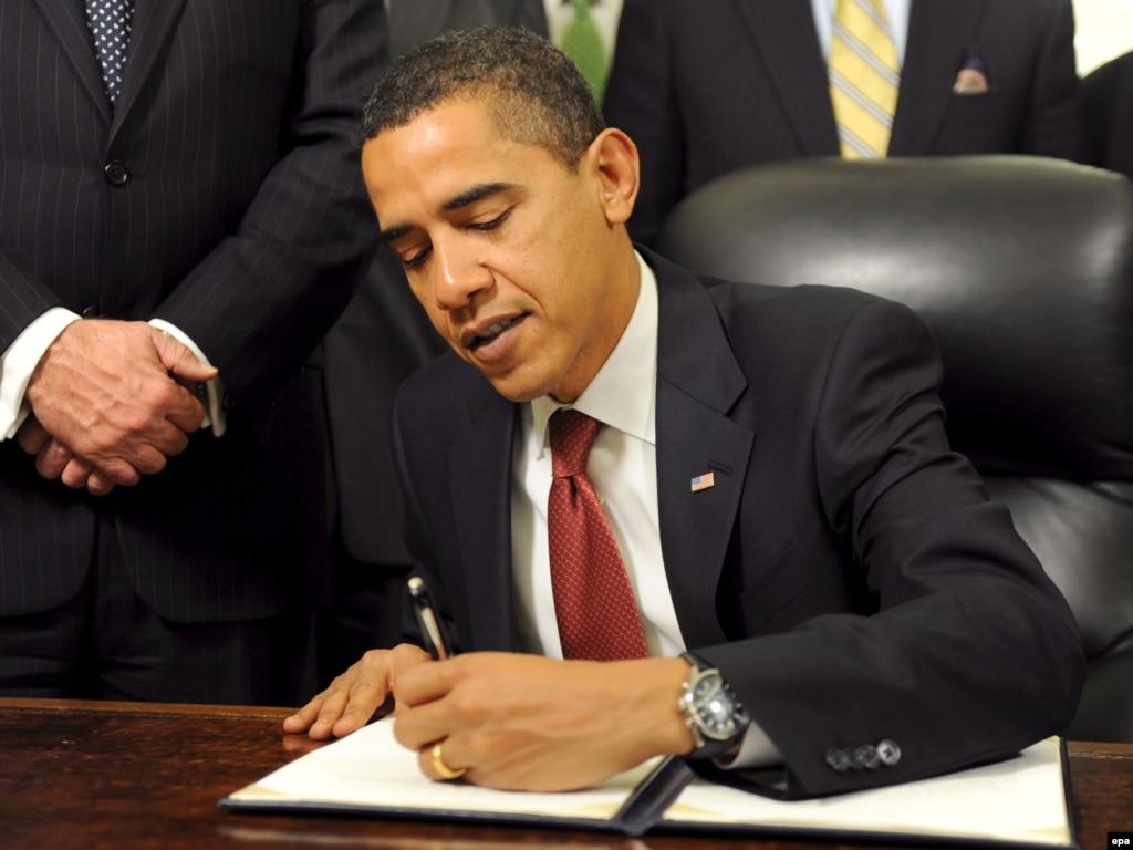 Obama Moves Quickly To Open Government To Scrutiny, Close Guantanamo