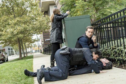 Chicago PD Season 4 Fall Finale Live Recap: Shot Heard ...