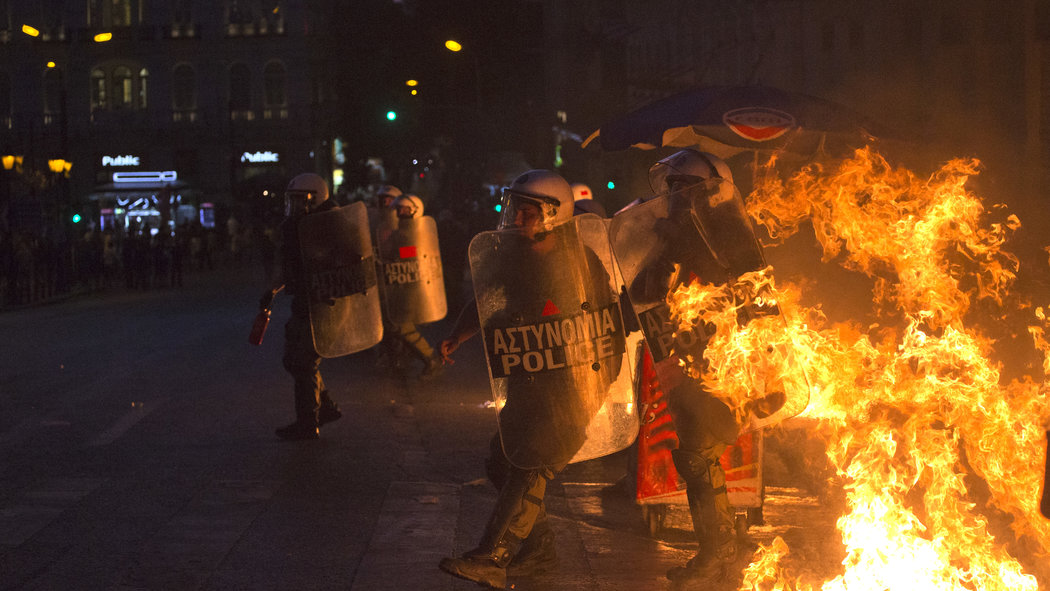 Violent Protests in Greece Before Vote - Video - NYTimes.com