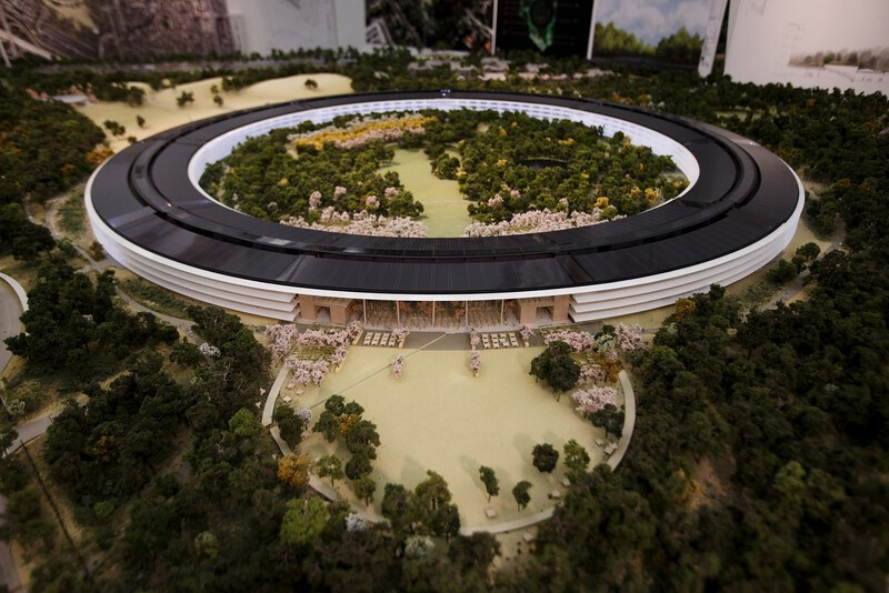 Cupertino approves Apple futuristic 'spaceship' campus, its new home ...