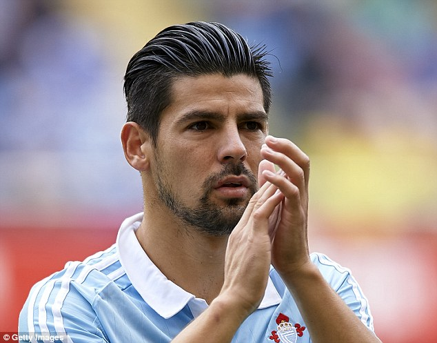 The 31-year old son of father (?) and mother(?) Nolito in 2018 photo. Nolito earned a  million dollar salary - leaving the net worth at 15 million in 2018