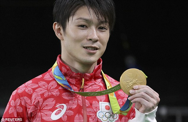 The 28-year old son of father (?) and mother(?), 160 cm tall Kohei Uchimura in 2017 photo