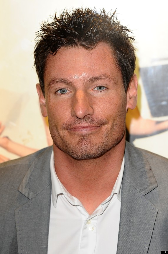 The 39-year old son of father (?) and mother(?), 178 cm tall Dean Gaffney in 2017 photo