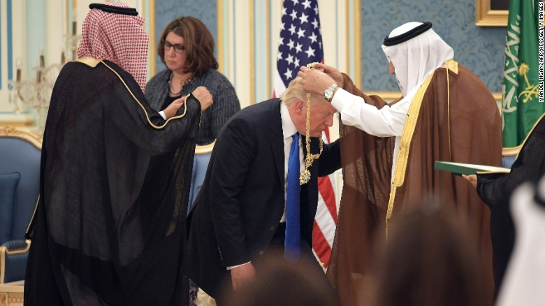 Donald Trump Bows down To Saudi Arabia's King Even after ...