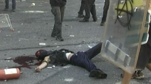 La morte di Carlo Giuliani - Corriere TV