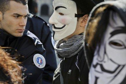 Bas les masques dans les manifestations | Pierre-André ...