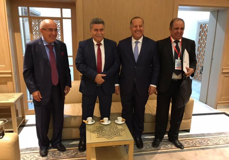 נתניהו ועמיר פרץ נלחמים על פגישה עם מלך מרוקו-מי שיפגש עם המלך יקבל את קולות המרוקאים? ?u=http%3A%2F%2Fimages.maariv.co