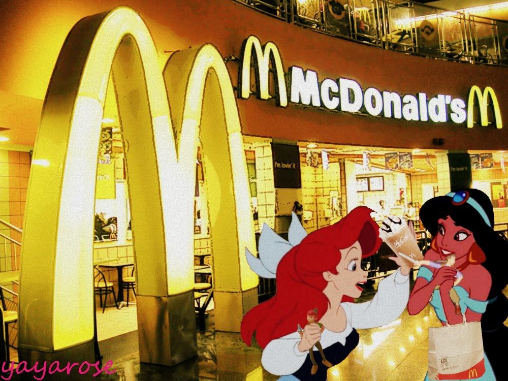 Fun at McDonald's - disney crossover Photo (32890791) - Fanpop