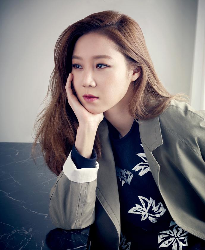 ... 2015-Ad-Campaign-Feat-Gong-Hyo-Jin-gong-hyo-jin-38181358-690-842.jpg