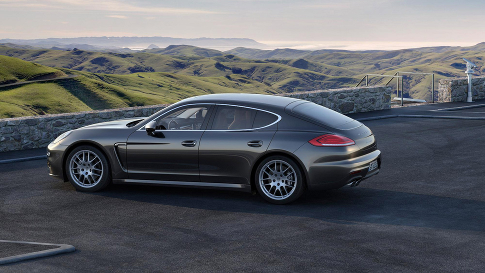 The 2014 Porsche Panamera Gran Turismo Drops The V8 For A Twin-Turbo ...