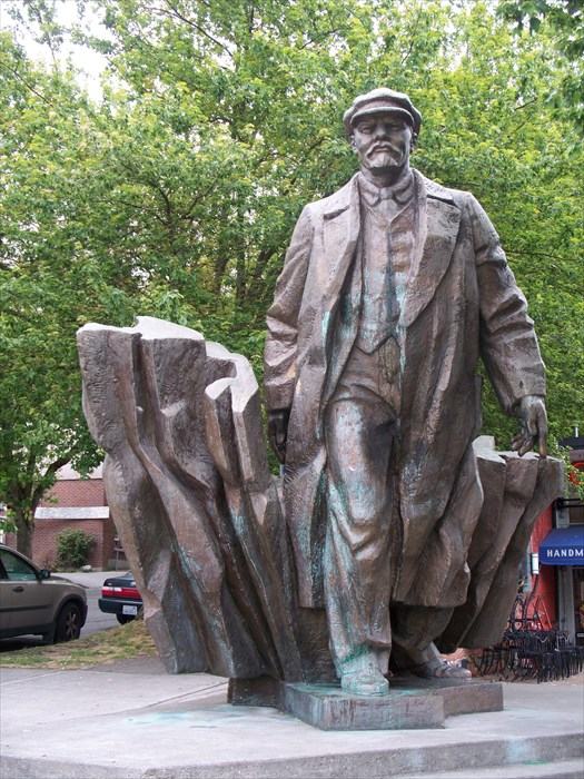 "... Lenin Statue - ""Sunday Strip"" - Seattle, WA Visit - Mueckenfett"