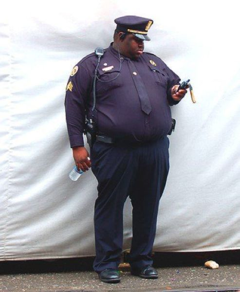 Such Fat Cops! (25 pics) - Izismile.com