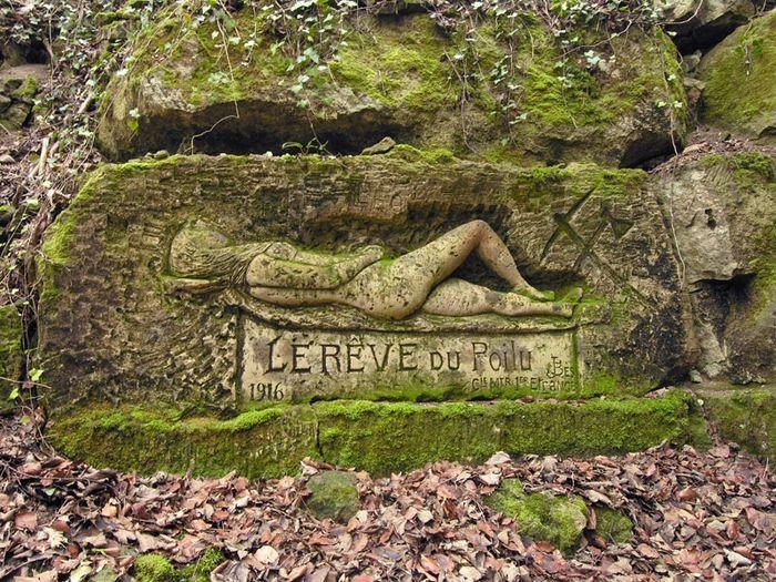 Le rêve du poilu de José BES , sculpté en 1916