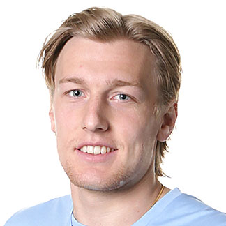 The 25-year old son of father (?) and mother(?), 179 cm tall Emil Forsberg in 2017 photo