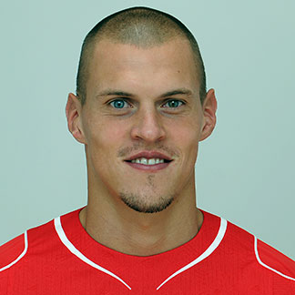 The 33-year old son of father (?) and mother(?), 193 cm tall Martin Škrtel in 2018 photo