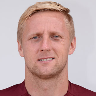 The 29-year old son of father (?) and mother(?), 190 cm tall Kamil Glik in 2017 photo