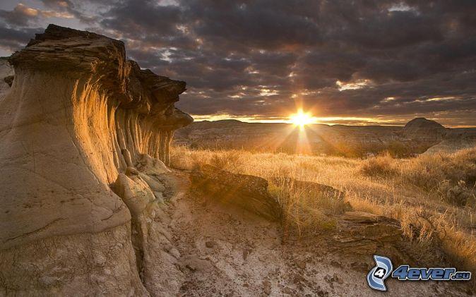 tramonto , pietre , montagna