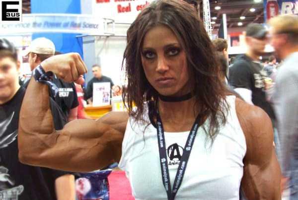 40 Super Muscular Women | KLYKER.COM