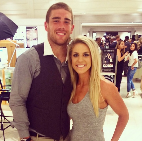 Julie Johnston con Novio Zach Ertz