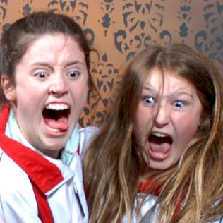Hilarious Photos of People Freaking Out at a Haunted House