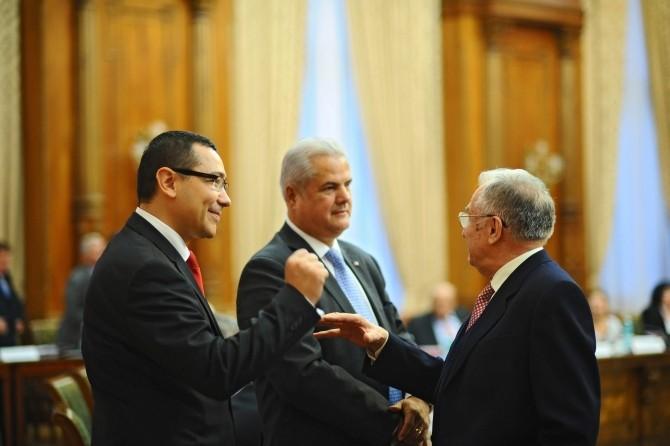 Victor Ponta: Adrian Năstase chiar este un... | DC News ...