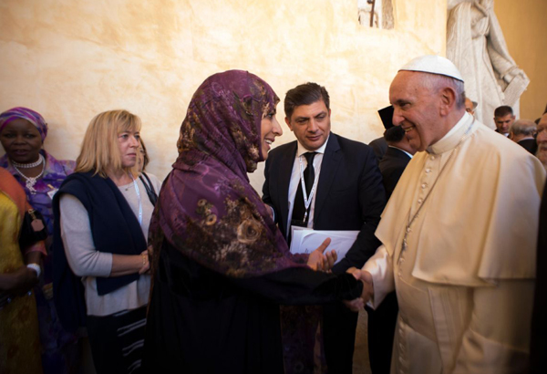 Gamiaw Bulletin: WORLD: Pope, refugees and religious leaders pray for ...