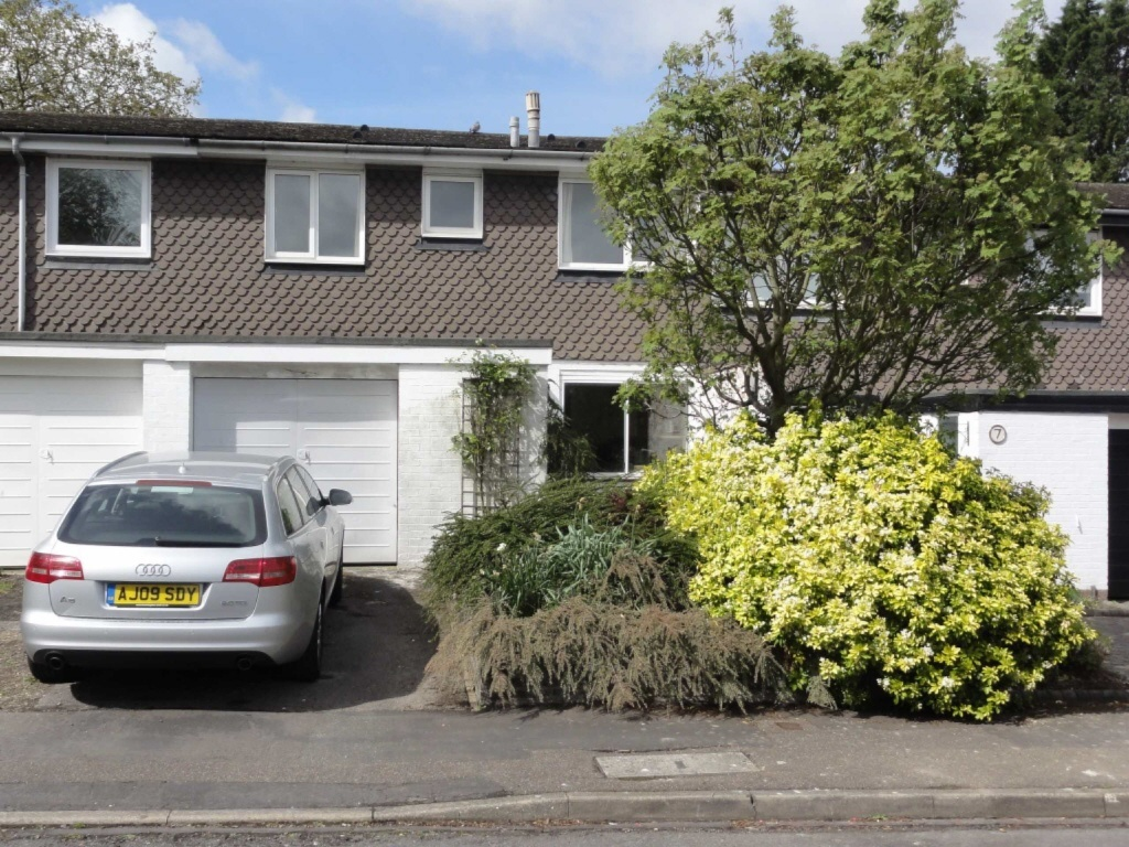 4 bedroom terraced house for sale in Stansgate Avenue, Off ...
