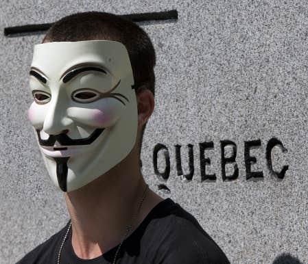 Montréal interdit le port des masques dans les ...