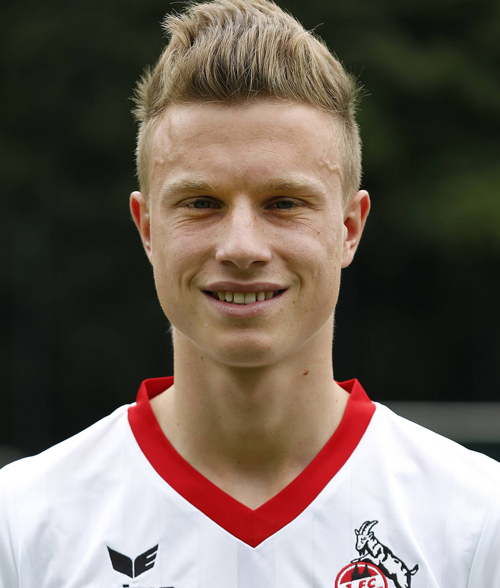 The 24-year old son of father (?) and mother(?), 184 cm tall Yannick Gerhardt in 2018 photo