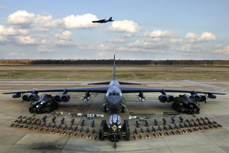 The B-52 'Arsenal Plane': America's Super Bomber Is Set ...